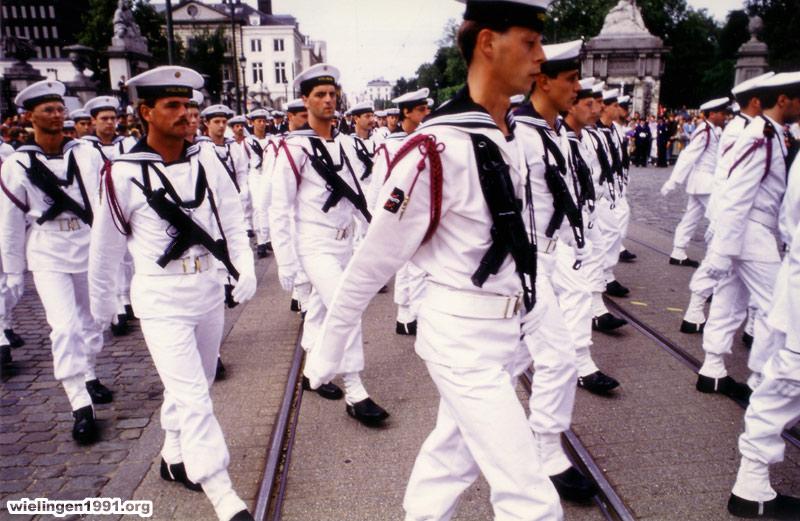 Défilé des cadets de Marine à Bruxelles le 21/07/2013 - Page 2 Jui_08